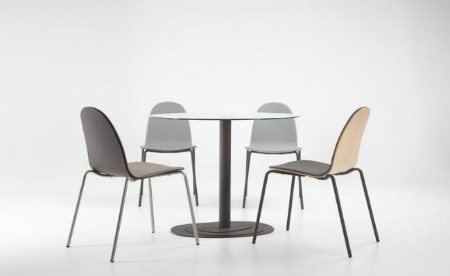 Elegir mesas y sillas para la cocina en las reformas en for Mesas diseno barcelona